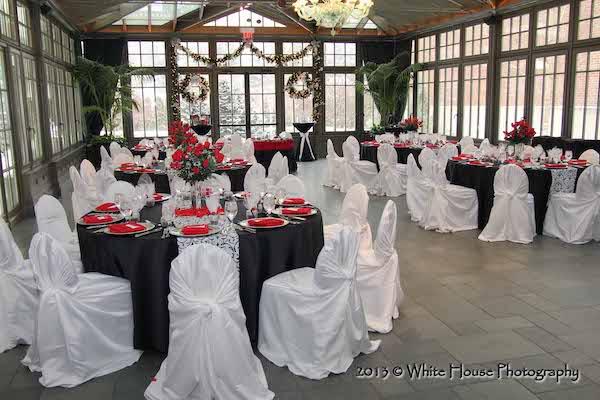 intimate wedding - luxury weddings- black, white and red wedding decor - North Carolina wedding planner - North Carolina luxury wedding planner
