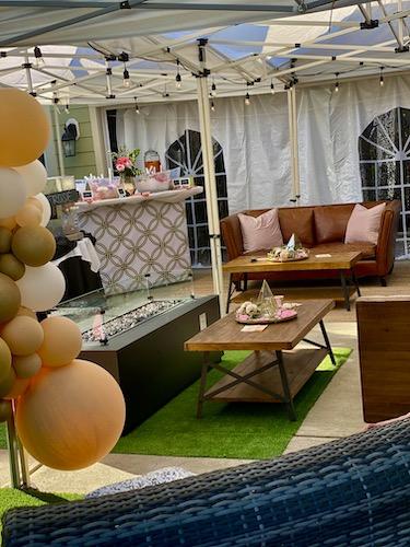 North Carolina Wedding planner, North Carolina Event Planner, E'MAGINE Events & Co, balloon decorations, North Carolina balloon decorations, outdoor event lunge with balloon decor