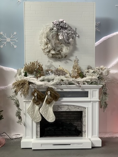 Silver and Gold Holiday design by Shaunda Eggleston on the Design Network's show Sleighed